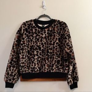 Wild Fable Cheetah Soft Pullover Size Medium